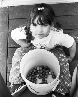 Melodie&Cherry Bucket2